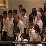 Siren sounds again to mark end of the minute of silence for #LeeKuanYew http://t.co/s7b8Ir4wZ6 http://t.co/uuM8HduS92