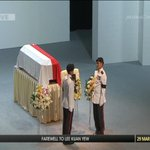 #LeeKuanYew's cortege will leave for Mandai Crematorium for a private funeral service http://t.co/s7b8Ir4wZ6 http://t.co/N0pFvHz5qK