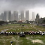 Thousands lined the streets of Singapore, in torrential rain, to say goodbye to Lee Kuan Yew http://t.co/DspAm8vQdf http://t.co/kY2MDBj7dN