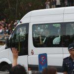 PM Lee Hsien Loong arrives at Mandai Crematorium. #LeeKuanYew. http://t.co/VNXBQCh04t http://t.co/9dsuCnjlWV