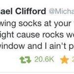 Типикал Майкл ???? #5SecondsOfSummer #TheyreTheOne @radiodisney http://t.co/gyDvSAZOzm
