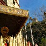 La Virgen de las Maravillas entre la Alhambra y el Albayzín #SSantaGR15 http://t.co/UHGbvQBxRb