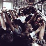 Trem lotado rumo ao segundo dia de Lollapalooza! #LollaBR2015 http://t.co/TSFH4T7UpY