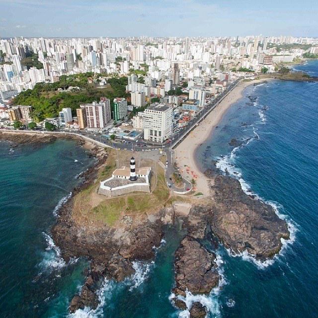 A minha cidade, Salvador, a primeira capital do Brasil, faz hoje 466 anos... um privilégio ter nascido nesse lugar... http://t.co/QHX1qpCr7I