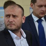 Ярош пообещал после победы ВСУ заняться насильственной депортацией населения Донбасса http://t.co/1JyOjonxuT http://t.co/lHKL7HuHGK