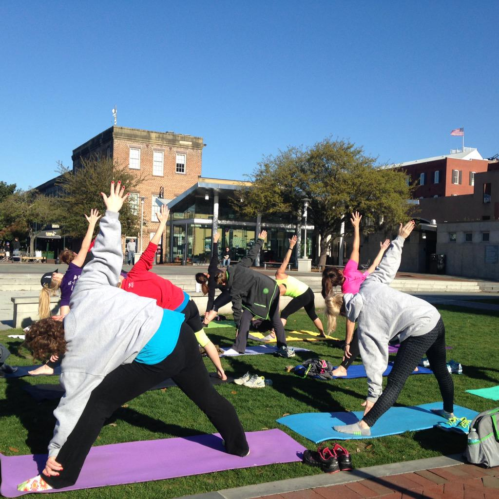 Thank you @VisitSavannah and #SavWomensHalf for a wonderful post half yoga session this morning! Great for ❤️ & legs! http://t.co/MYNcWQbdYz
