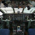 Посадка без пилота: еще один командир лайнера не смог вернуться в кабину http://t.co/95i9KhvhZx Фото: Федор Борисов http://t.co/BLZ4K1BV2V