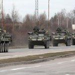 В Чехию въехали три колонны американских войск http://t.co/bRZq2lvcVy http://t.co/anPu2YVMpl