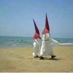 Estas son las cosas de #Cadiz #SemanaSantaCadiz http://t.co/b7HA6D7TGH