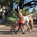 Multiple churches gather in downtown Jacksonville for #PalmSunday procession @FCN2go http://t.co/qV6q4bCgLi