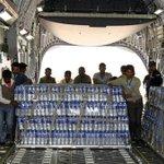 Bolivia envía 10 toneladas de agua a víctimas al norte de Chile #FuerzaNortedeChile (+Audio) http://t.co/qUHZzWFYr3 http://t.co/CwYHVELPJH