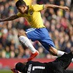 Brasil bate o Chile e Dunga chega a oitava vitória consecutiva http://t.co/P0s3IaCoTW http://t.co/e4aeXGP3Rg