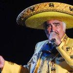 """Vicente Fernández con """"pronóstico reservado"""" luego de cirugía http://t.co/K71zaQFQwm http://t.co/rGMCRrRIOQ"""