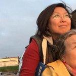 ESTO NO ES NOTICIA: Una mujer cumple el sueño de su madre anciana de viajar por el mundo http://t.co/20es6kaGT7 http://t.co/qjLiSR8EKg