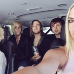 On our way to #iHeartAwards! @iHeartRadio http://t.co/7HlzdyPIkY