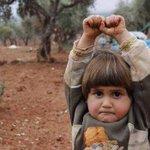 :( Menina síria comove internautas ao confundir câmera com arma http://t.co/JzG8A42qvN http://t.co/2pGVnTL0uW