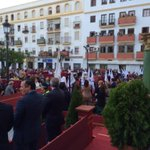 Cruz de guía de la Flagelación ya en Plaza Peral #ELPUERTOilusiona #DomingoDeRamos http://t.co/5DbDvNKlpn
