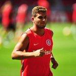 Adeus, He-Man? Rafael Moura deve ser emprestado ao Palmeiras http://t.co/3hVvNc8K2n http://t.co/pDhKcGALrF