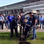 Hoy, uno de los grandes plantó el Carbayón #89. Que sea el último fuera de LFP. Gracias Eduardo. #sumamostodos http://t.co/zqXNGMwJCA