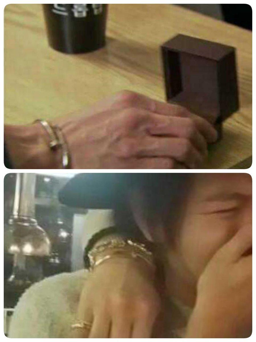 上:野王ユノ 下:今日深夜打ち上げ時ジェジュン右手(一番手前のやつ)  ンジェ…?^^ ってかそれよりもユノの血管すじすじの手にもへた http://t.co/aY860xfK2R