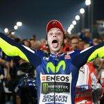 Pilotos con más victorias en la historia del mundial! #MotoGP 1º Agostini 122 2º Rossi 109 3º Nieto 90 4º Hailwood 76 http://t.co/FYeb14mL5I