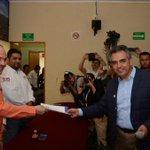Muy emotivo el registro de Nacho Alvarado y los demás candidatos a Presidentes Municipales y Diputados Locales. http://t.co/FOWFNhLWhH
