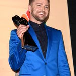 From music to comedy to acting, @jtimberlake is a true innovator. #iHeartAwards @iHeartRadio ???? http://t.co/wrPpCKEWvb