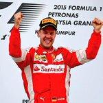 Primero Vettel, luego Rossi, ahora @jpmontoya, victorias de grandes hoy en @F1, @MotoGP, @IndyCar. http://t.co/7EQeNL7qJh
