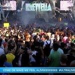 La primera vez que vemos el Live Stage lleno hasta la bandera. Gracias a @Krewella #ULTRALIVE http://t.co/WuYPhR4u56