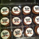 MAKE IT HAPPEN PEOPLE! MAKE IT BLOODY HAPPEN! #WrestleManiaSnacksForPaddy @WWEUK http://t.co/Q1KWy8KvSO