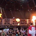 Knife party desde el Mainstage de Ultra. Más destrucción!!! Vamoooossss!!! #ULTRALIVE http://t.co/FGvxLqVZqp