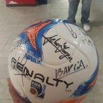 Fue el jugador http://t.co/BmJ5QOmASh del partido y @carlosdepena también se llevó la pelota por hacer 3 goles. http://t.co/qxGEYDfY6b