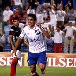 El pibe de la #CanteraInagotable, @carlosdepena, la rompió e hizo 3 goles. Adelanto de fotos @AleAparicio1969. http://t.co/h7KW3yUNZk