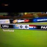 """Paraguayos soretes, nos ponen la bandera al revés. ¡Se quieren quedar con el """"guay"""", con Artigas, el Mundial, todo! http://t.co/xd6Gz55iVn"""