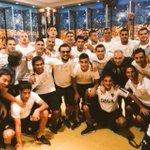 """La alegría en el vestuario de #Boca tras golear a Estudiantes. """"Buen partido muchachos"""" compartió @guille_sara. http://t.co/o2uojneiPP"""