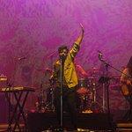 No ostracismo, Young the Giant faz show repleto de luzes no #LollaBR2015 http://t.co/f9kFfyqekX http://t.co/xSWVJvq9DL