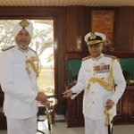 Vice Admiral Sunil Lanba, in line to be next Navy Chief, takes over Command of the Southern Naval Command in Kochi http://t.co/Ld8xZkeSXX