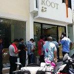1 April in feshigen Cigarette duty boduvaathy, Cigarette hoadhumah Root fihaara kairee queue hadhaafa #Pics http://t.co/JBqdbblH7w