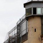 Comença lenderroc de la presó model de #Barcelona http://t.co/gA05MaWjLF http://t.co/VwK8qYKK1w
