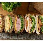 スターバックス、米国の定番メニュー「バナナ&ベーコンサンドイッチ」などアメリカンスタイルのサンドイッチ5種発売 http://t.co/rkhCx6rPhq http://t.co/SSeNeryHXW