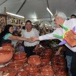 Asistí a la Feria Artesanal del #DomingoDeRamos en Uruapan. Es la feria más grande e importante de Latinoamérica. http://t.co/br6efZIfMb