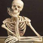 Yo esperando los 30 minutos que quedan de capítulo #TheWalkingDeadSeasonFinale http://t.co/bG8Y5h5RuA