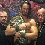Seth Rollins cashes in Money in the Bank, beats Lesnar & Reigns for WWE Heavyweight Title! http://t.co/yAA4QvFAAQ http://t.co/RNHsAsEv9I