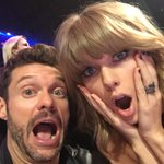 .@taylorswift13s reaction to our conversation #iheartawards http://t.co/2NnzboBFXh