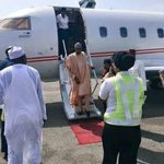 [BREAKING] Buhari arrives Abuja to await declaration of results by INEC | #GMB15 | @DeleMomodu @AlakeDele @elrufai http://t.co/IhZMSxH3p5