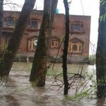 #KashmirFloods Photos of devastation from flash floods in Kashmir. http://t.co/HO00K4h5EH http://t.co/FUocxGSask