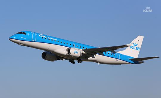 KLM purchases seventeen Embraers to replace its Fokker 70s - -