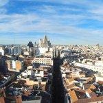 El edificio de Telefónica visto desde la Plaza de Sol, foto aérea realizada con globo de helio @EspacioFTef #Madrid http://t.co/qse2QiAlNe