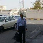 #الدراز ~ الناشط محمد جاسم يسلم نفسه لإدارة التحقيات الجنائية بعد مداهمة منزله عدة مرات . #bahrain #duraz http://t.co/2tdN8y1i56