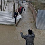 16 trapped after mudslides, hundreds evacuated in flood-hit Kashmir - 10 developments http://t.co/CWuNPPD2bM http://t.co/d0A1H3zfhJ